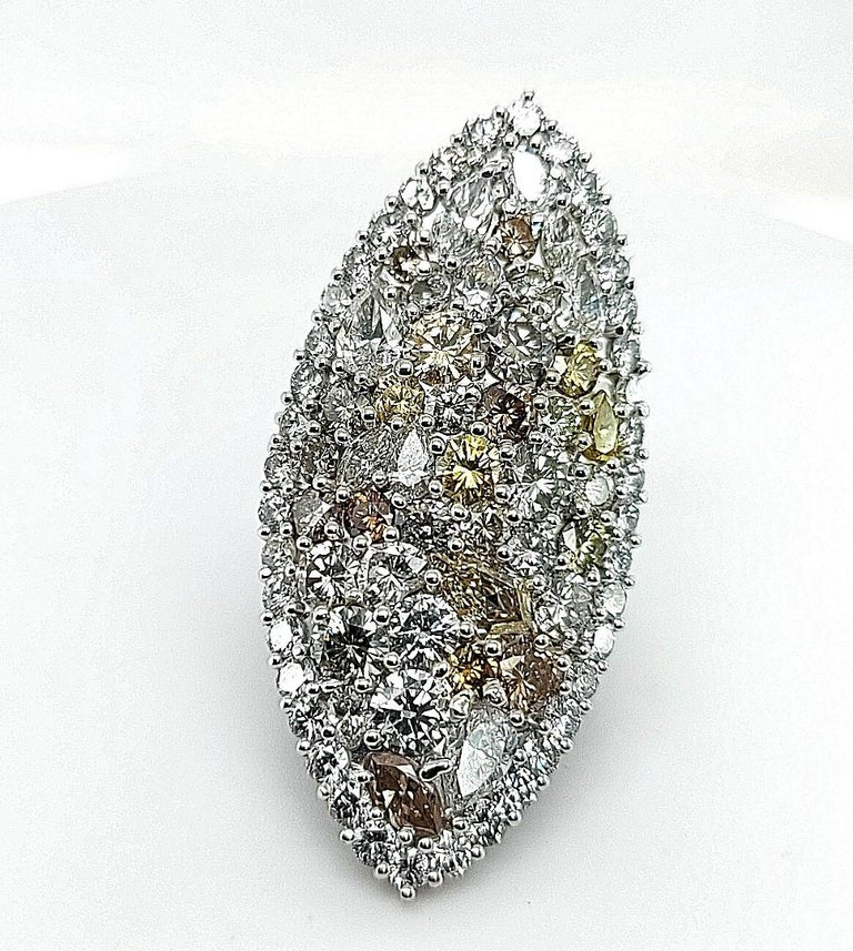 29.99 Carat Diamond, 18 Karat White Gold, Earrings, Cocktail Ring, Set In New Condition For Sale In Antwerp, BE