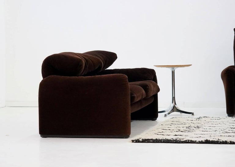 Late 20th Century Three and Two-Seat Maralunga for Cassina, Design Function Canapé Couch For Sale