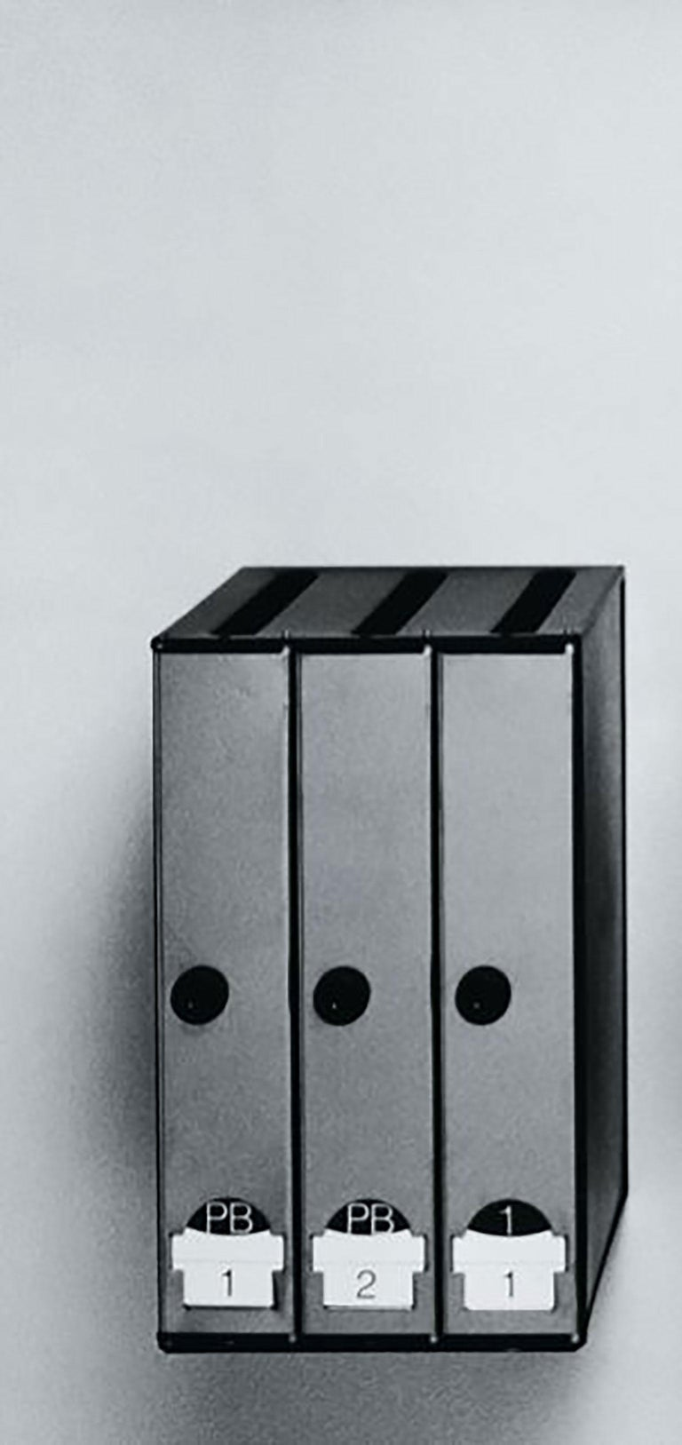 3-4-5 Mailbox by Lluís Clotet & Oscar Tusquets Blanca for BD Barcelona In New Condition For Sale In New York, NY