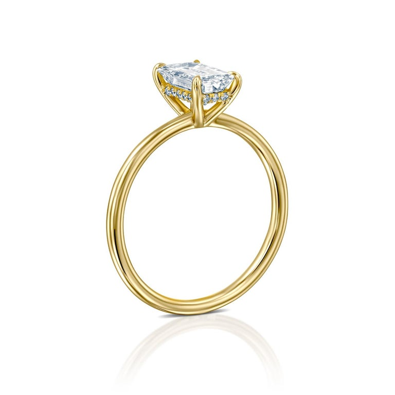 3/4 Carat GIA Diamond Ring, Solitaire Emerald Cut 18 Karat Yellow Gold In New Condition For Sale In New York, NY