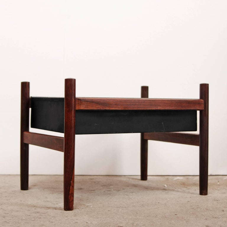 Danish Modern Rosewood Planter In Good Condition For Sale In Brooklyn, NY