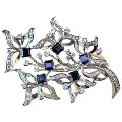 3 Carat Blue Sapphire 1.20 Carat Diamond White 18 Karat Gold Brooch Italy, 1960s