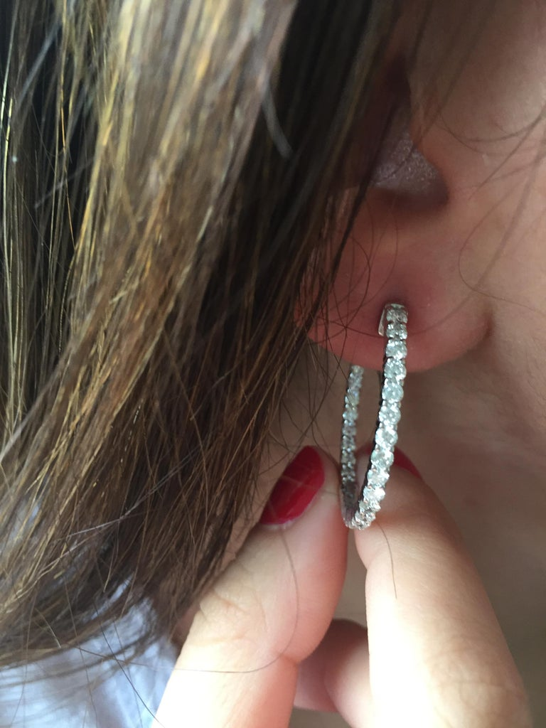 3 Carat Diamond Hoop Earrings In New Condition For Sale In Great Neck, NY