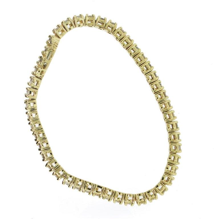 Round Cut 3 Carat Diamond Tennis Bracelet For Sale
