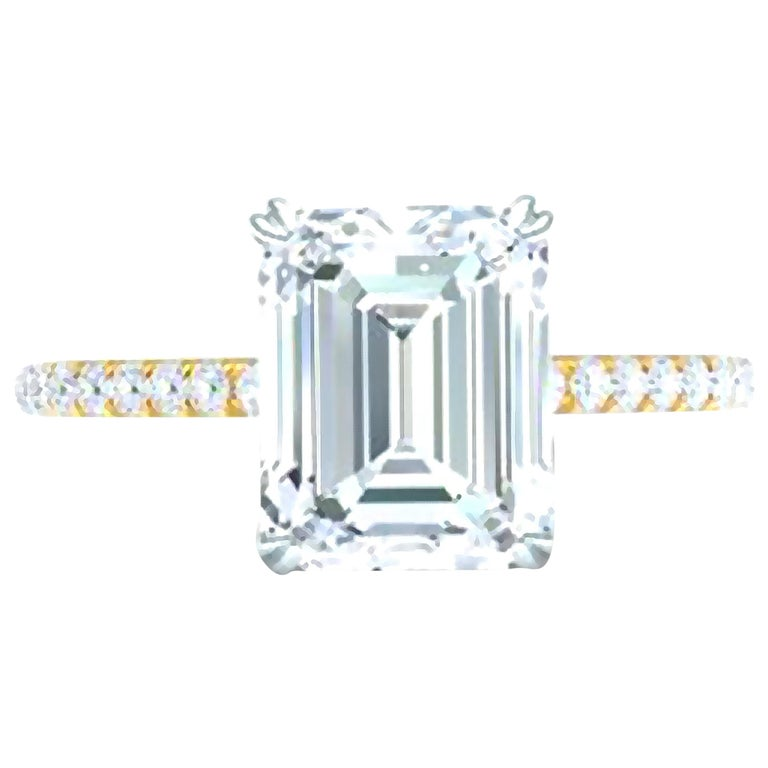 3 Carat Emerald Cut GIA Certified G-VS2 Engagement Diamond Ring For Sale