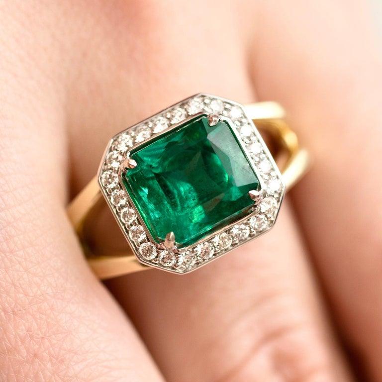 For Sale: undefined 3 Carat Intense Green Natural Emerald Diamonds 18 Karat Yellow White Gold Ring 2