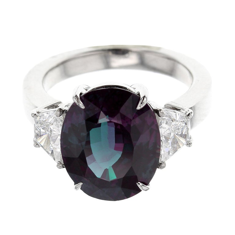 b68fe388e6f55 3 Carat Natural Brazil Alexandrite and Diamond Three-Stone Platinum Ring