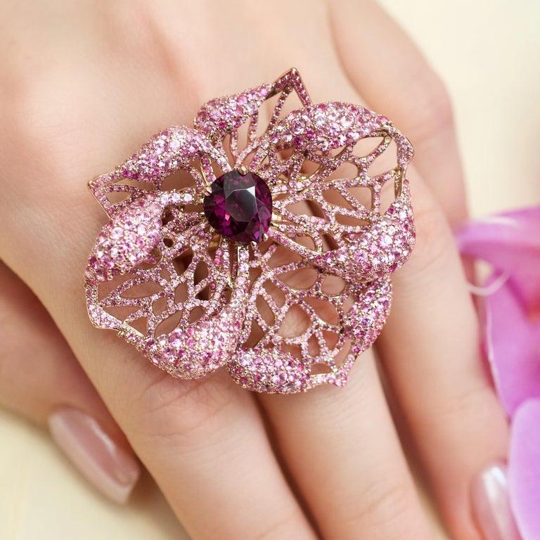 3 Carat Purple Spinel Pink Sapphire 18 Karat Rose Gold Flower Cocktail Ring For Sale 4