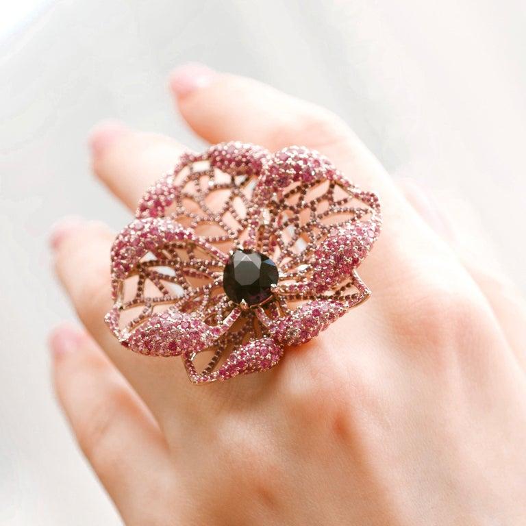 3 Carat Purple Spinel Pink Sapphire 18 Karat Rose Gold Flower Cocktail Ring For Sale 5