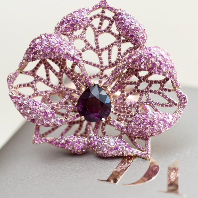 3 Carat Purple Spinel Pink Sapphire 18 Karat Rose Gold Flower Cocktail Ring For Sale 8