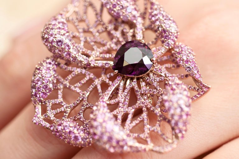 3 Carat Purple Spinel Pink Sapphire 18 Karat Rose Gold Flower Cocktail Ring In New Condition For Sale In Yerevan, AM