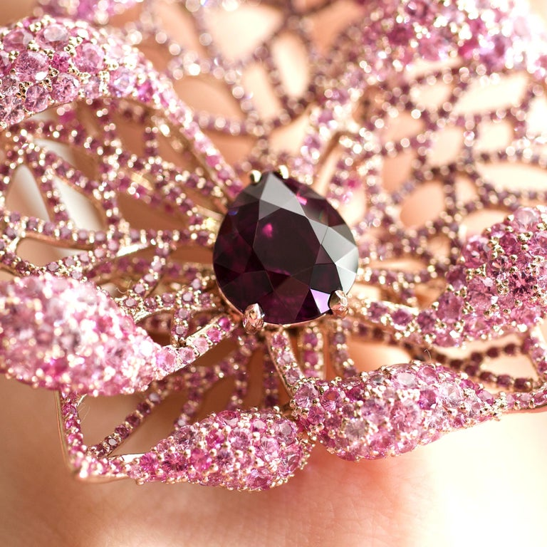 Women's 3 Carat Purple Spinel Pink Sapphire 18 Karat Rose Gold Flower Cocktail Ring For Sale