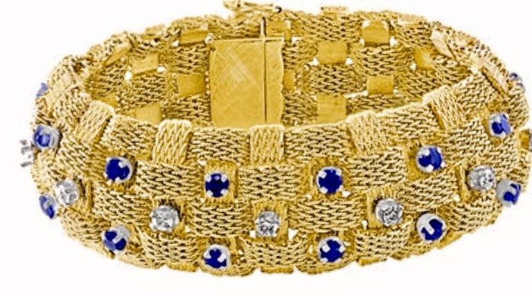 Round Cut 3 Carat Sapphire and 2 Carat Diamond Bracelet in 18 Karat Yellow Gold 116 Gm For Sale