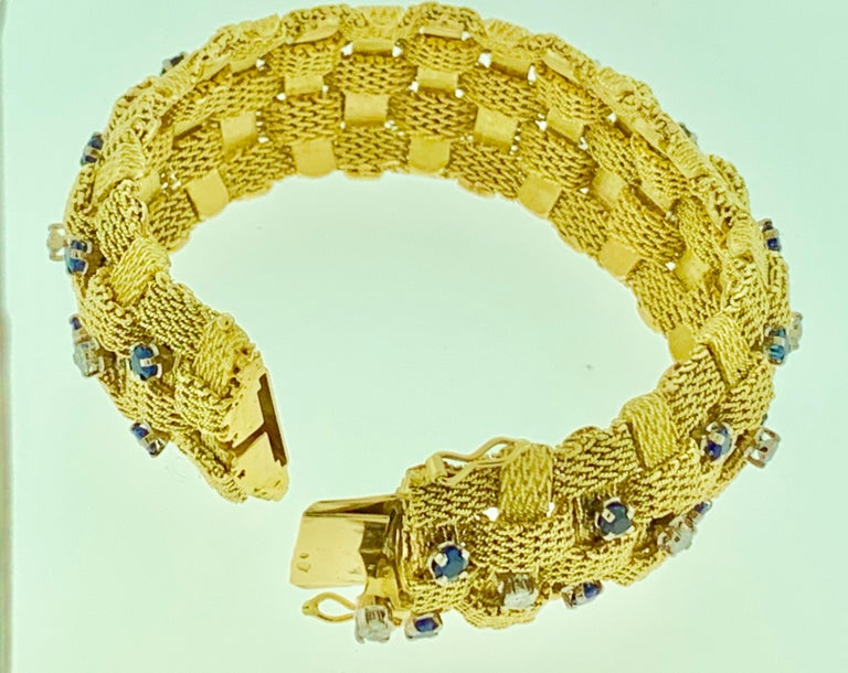 3 Carat Sapphire and 2 Carat Diamond Bracelet in 18 Karat Yellow Gold 116 Gm In Excellent Condition For Sale In Scarsdale, NY