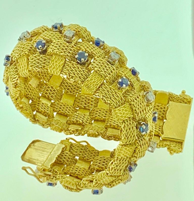 Women's 3 Carat Sapphire and 2 Carat Diamond Bracelet in 18 Karat Yellow Gold 116 Gm For Sale