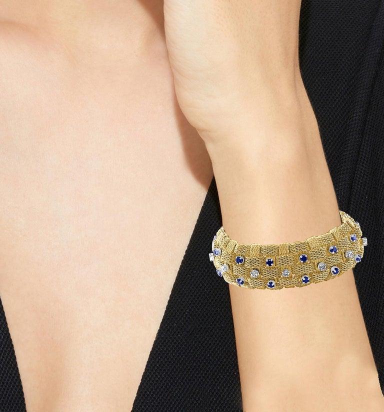 3 Carat Sapphire and 2 Carat Diamond Bracelet in 18 Karat Yellow Gold 116 Gm For Sale 3