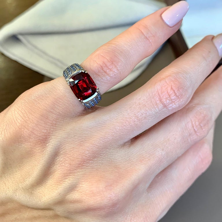 Cushion Cut 3 Carat Vivid Red Spinel Ring with Blue Sapphires 18 Karat Gold For Sale