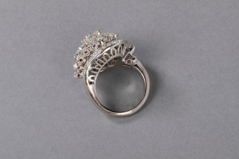 3 Carat Gold and Diamonds French Cocktail Ring For Sale 6