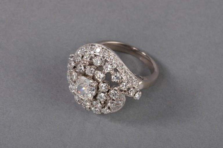 3 Carat Gold and Diamonds French Cocktail Ring For Sale 7