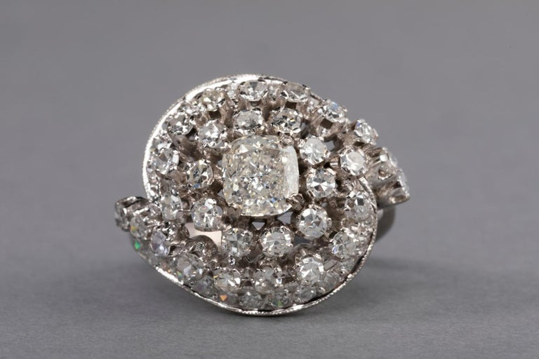 3 Carat Gold and Diamonds French Cocktail Ring For Sale 8