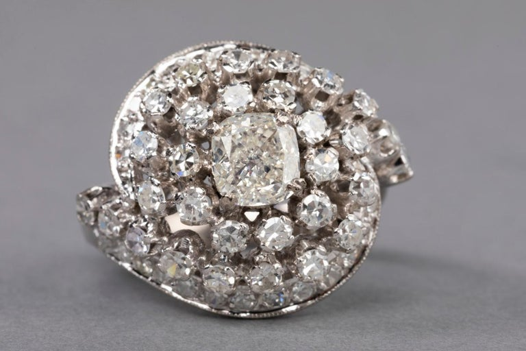 3 Carat Gold and Diamonds French Cocktail Ring For Sale 9