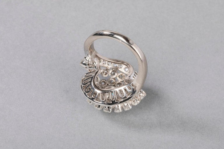 3 Carat Gold and Diamonds French Cocktail Ring For Sale 11