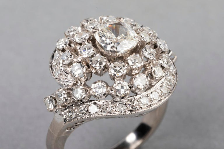 Women's 3 Carat Gold and Diamonds French Cocktail Ring For Sale