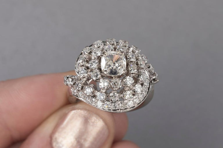 3 Carat Gold and Diamonds French Cocktail Ring For Sale 4