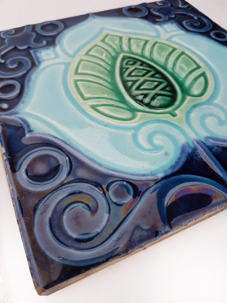 3 Original  Art Deco Tiles  by Gilliot Hemiksen, circa 1930 In Good Condition In Rijssen, NL