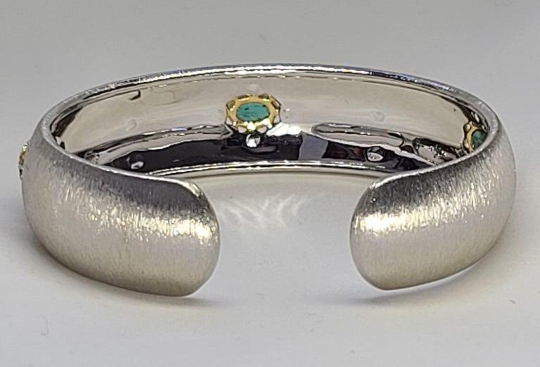 Women's or Men's 3 Oval Emeralds Diamonds 18 Karat White Yellow Gold Bangle in Florentine Finish For Sale