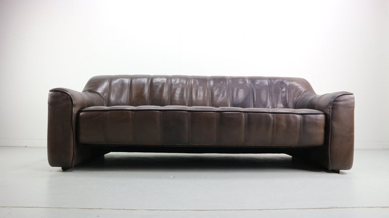 Mid-Century Modern 3-Seat Leather Sofa DS-44 from De Sede, 1970s For Sale