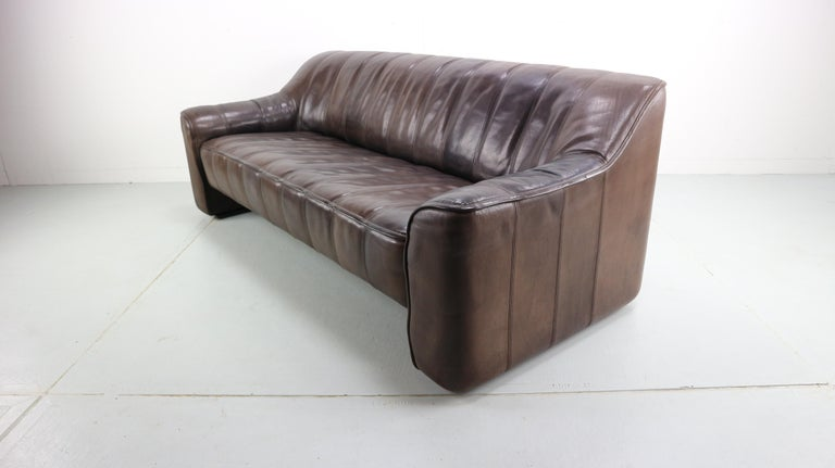 3-Seat Leather Sofa DS-44 from De Sede, 1970s In Good Condition For Sale In The Hague, NL