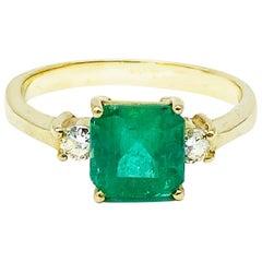 3-Stone Emerald & Diamond Ring 1.70 Carat 18 Karat Yellow Gold