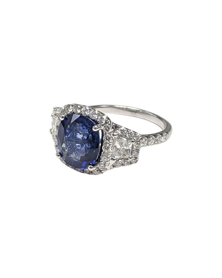Round Cut GIA Certified Sapphire White Diamond Ring 18k  Wt. Gold For Sale