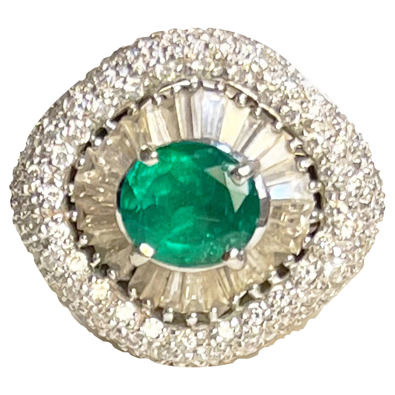 30 Baguette Diamonds and 2 Karat Emerald 18 Karat White Gold Vintage Ring