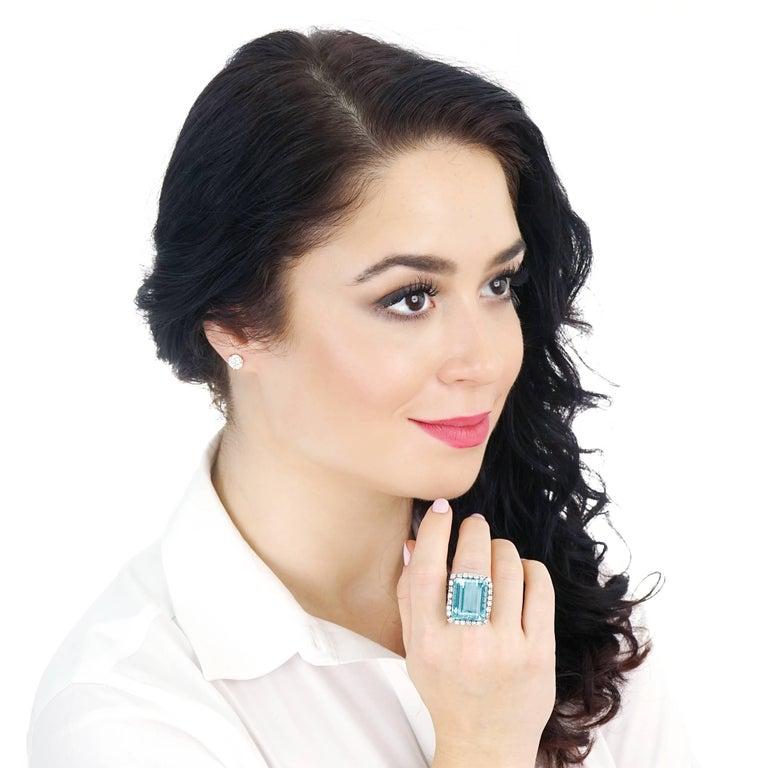 Women's or Men's 30 Carat Aquamarine and Diamond set Platinum Ring For Sale