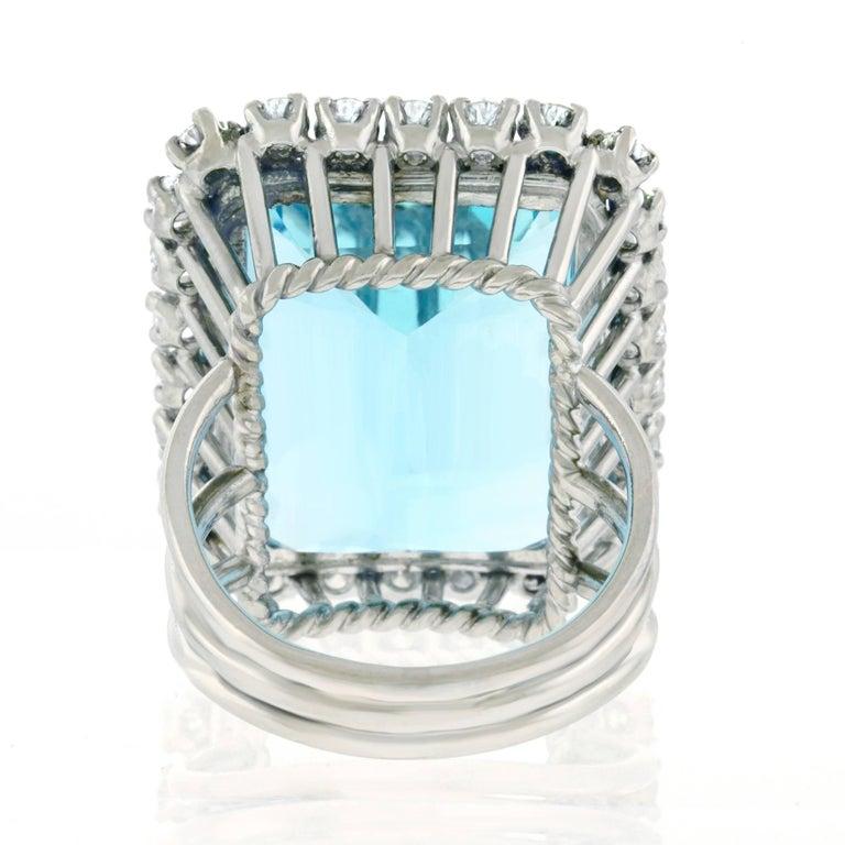 30 Carat Aquamarine and Diamond set Platinum Ring For Sale 1