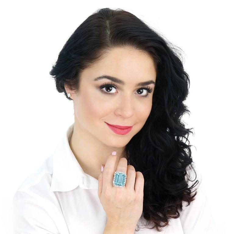 30 Carat Aquamarine and Diamond set Platinum Ring For Sale 5