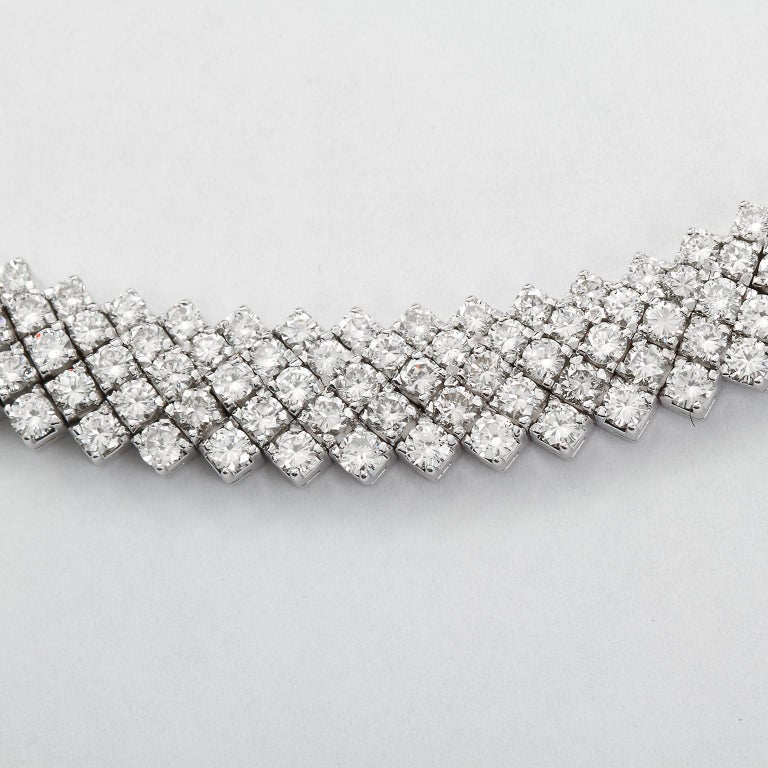 30 Carat Diamond White Gold Five Line Necklace In Excellent Condition For Sale In New York, NY