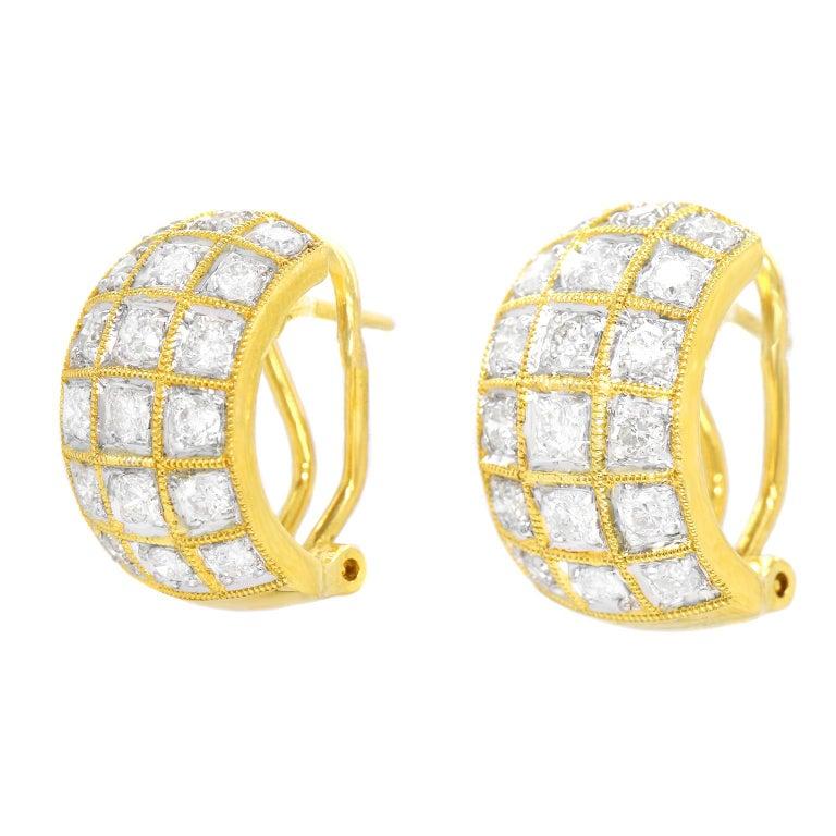 Brilliant Cut 3.0 Carat Diamond-Set Gold Earrings For Sale