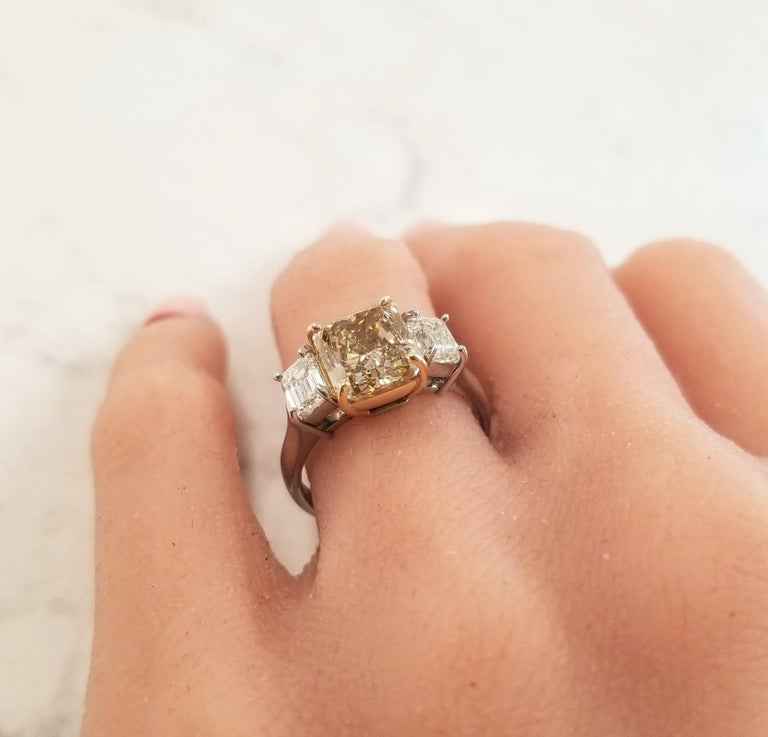 3.00 Carat Radiant Cut Fancy Yellow Diamond Cocktail Ring in Platinum For Sale 2