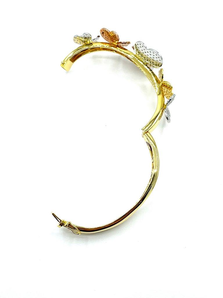 3.00 Carat Round Brilliant Diamond 18 Karat Butterfly Bangle Bracelet For Sale 3