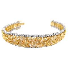 30.0 Carat 'Total Weight' 18 Karat Yellow and White Gold Diamond Bracelet