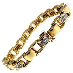 3.00 Carat Princess Cut Diamonds Arch Hinged Durable Bracelet 14 Karat Gold