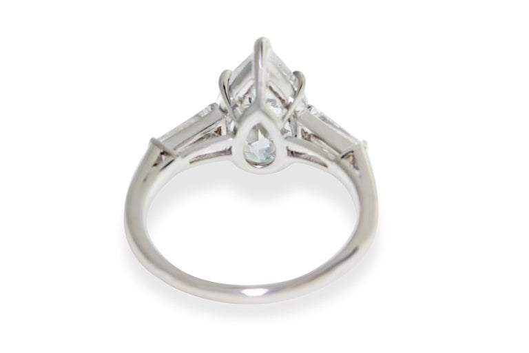 Contemporary 3.01 Carat GIA Certified Pear Shape Engagement Ring For Sale