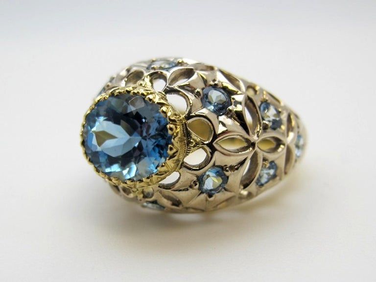 Women's Aquamarine 18 Karat Yellow Gold Ring For Sale