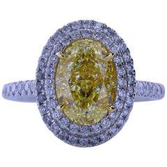 3.04 Carat Oval Shape Fancy Yellow VS1 Diamond Ring Pendant 18 Karat Gold