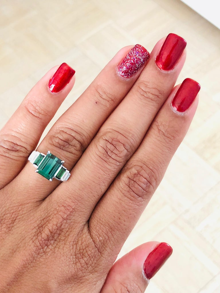 3.05 Carat Green Tourmaline Diamond 18 Karat White Gold Ring In New Condition For Sale In Los Angeles, CA