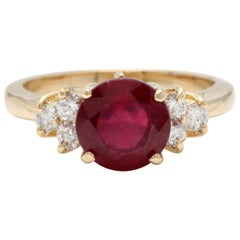 3.05 Carat Impressive Red Ruby and Diamond 14 Karat Yellow Gold Ring