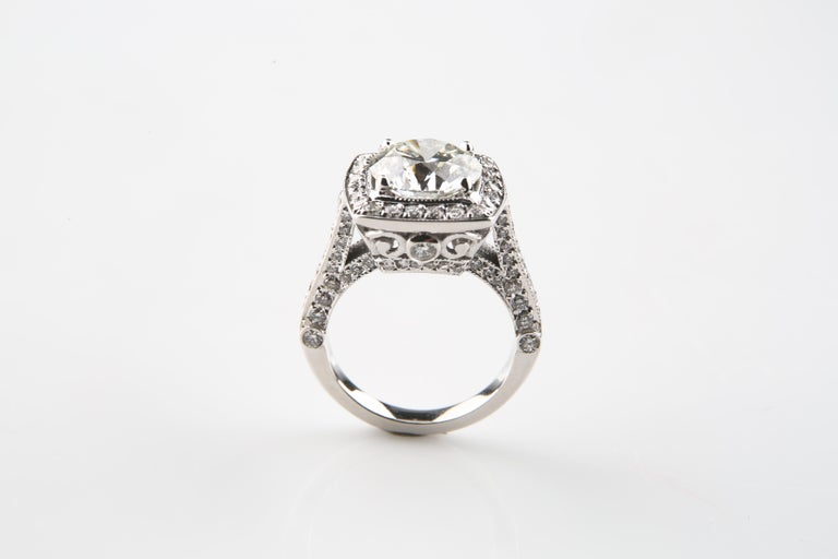 Round Cut 3.05 Carat Round Brilliant Diamond 14 Karat Gold Engagement Ring GIA Certified For Sale